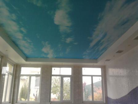 Натяжной потолок с фотопечатью готов