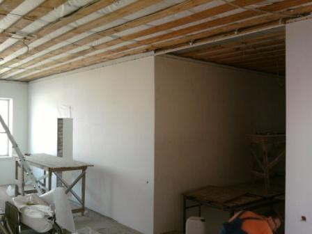 Потолок в сопряженном помещении